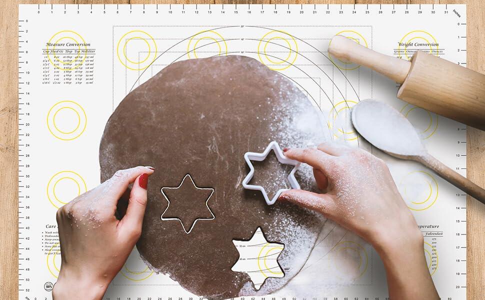 Making cookies on xxl marcorex pastry mat