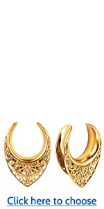 LY6025 Saddle Tunnels Plugs Hangers for Stretched Ears black (1)