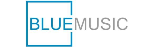 BlueMusic Logo mit Radio im Hintergrund