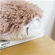 ●The hidden smooth zipper makes it easier to insert and remove the pillow insert.