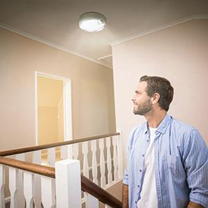 battery opetated ceiling light