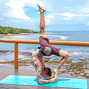 Amazon.com : Liforme Yoga Mat & Travel Mat Bundle Blue/Gray ...