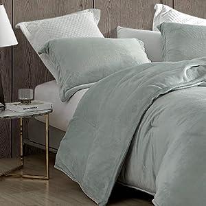 Light gray microfiber Plush Soft Oversized Extra Large Bedding Baffle Box Comforter