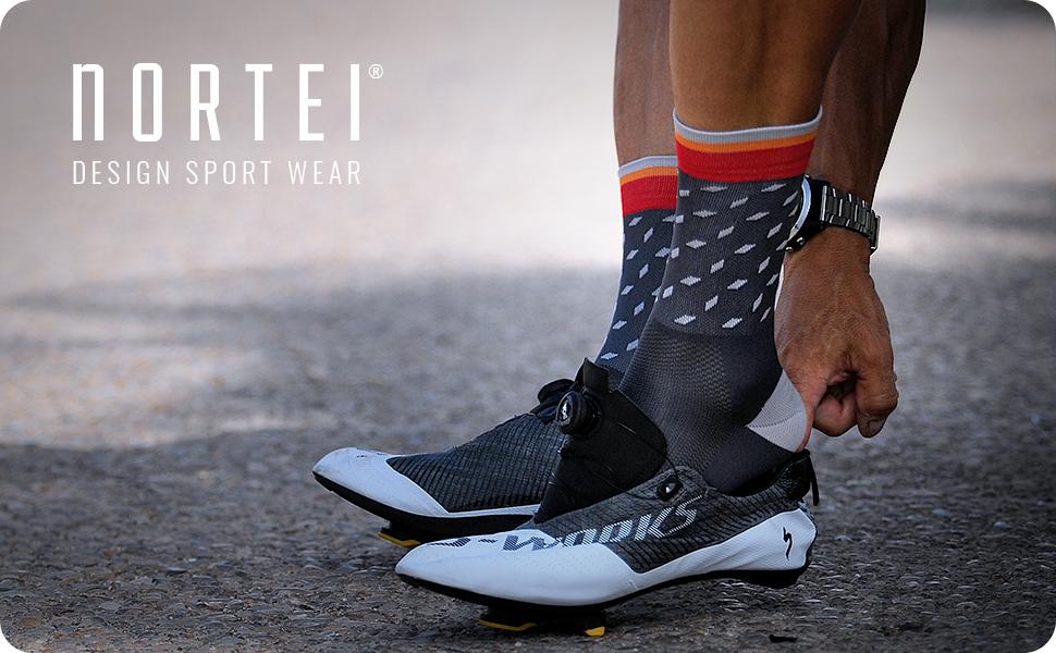 NORTEI - Calcetines de Ciclismo, MTB y Running de Meryl para Hombre y Mujer – Dotty (S(37-39), Blue): Amazon.es: Deportes y aire libre