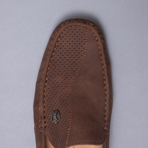 A great and comfortable design this loafer features a classic lightweight moc-toe