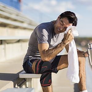 runner jumper knee patella jogging sports knee support thin lightweight compression strap workout
