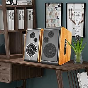 Wood bookshelf speaker