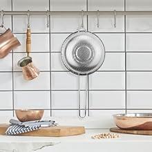 vergiet hangen in de keuken