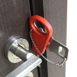 HOLD YOUR DOOR SHUT FIRMLY NOW