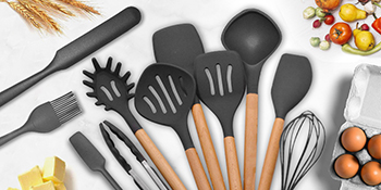 Silicon with Wooden Handle Whisk Basting Brush Tongs Spoons Turners Pasta Server Spatulas Soup Ladle