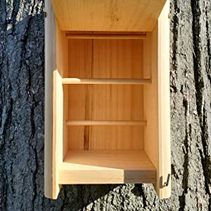 Inside look at Wakefield Birdhouse Small Winter Roost/Shelter
