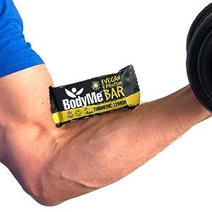 BodyMe Barritas Proteinas Veganas Organica | Cruda Curcuma Limon | 12 x 60g Barra Proteina Vegana | Sin Gluten | 16g Proteína Completa | 3 Proteina ...