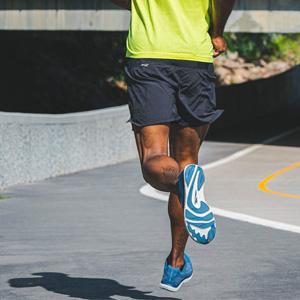 altra escalante 2.5 road running shoe