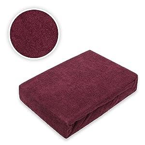 Drap-housse en tissu éponge.
