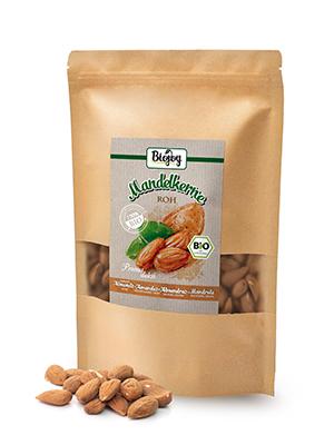 Amandelen heel rauw niet gekookt zonder zout zoutvrij biologisch meel poeder bakken snack ontbijt
