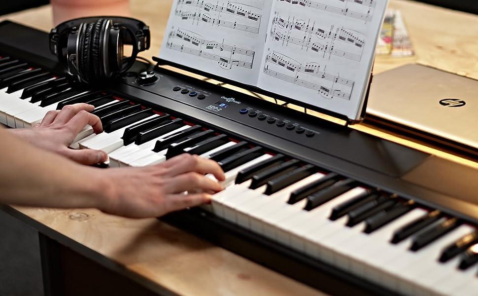 Piano de Escenario SDP-2 de Gear4music + Soporte Pedal y Auriculares