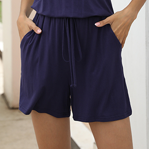 short pants with side pockets