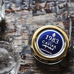 宮崎キャビア1983(シロチョウザメ) 3つ星レストラン、5つ星ホテルでも採用される本格熟成のフレッシュキャビア。 宮崎キャビア1983の中で最もスタンダードでベーショックなキャビアです。
