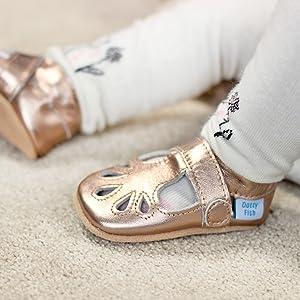 Semelle Souple antid/érapante Dotty Fish Chaussures Cuir Souple b/éb/é et Bambin 0-6 Mois 3-4 Ans Dessins danimaux de No/ël de f/ête Gar/çons et Filles.