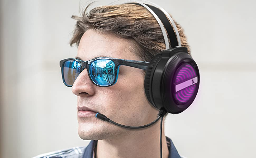 Gaming Headset with Changeable LED Light