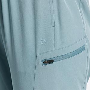 zip pockets
