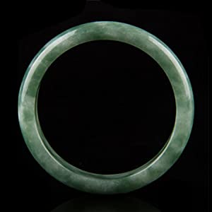 Jade bangle bracelet appearance display