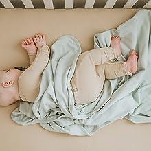 Goumi Blankets