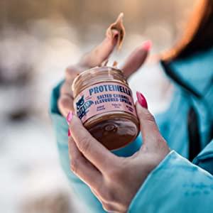 HealthyCo - Proteinella para untar con sabor a avellanas y cacao 400g - Un refrigerio saludable sin azúcar agregada, sin aceite de palma y con ...