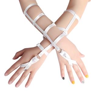 Harness Bracelet+white