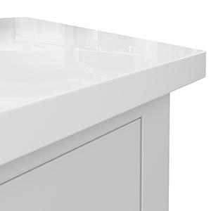 pure white quartz countertop