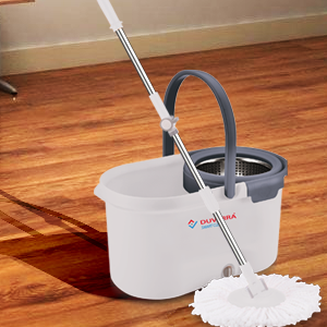 Flexible Mop for Hard to Reach Areas