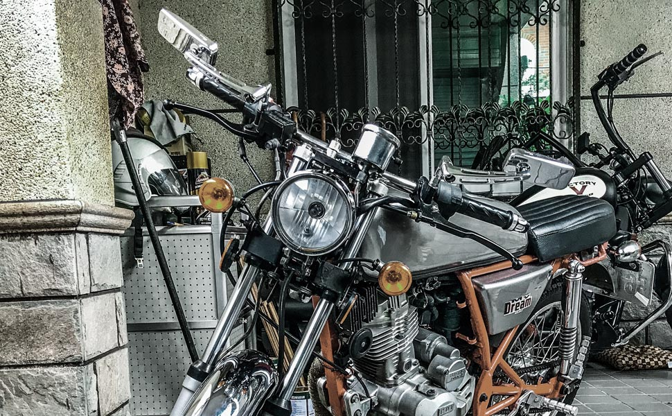 ClassicMX mirrors chrome on Hartford my dream motorcycles