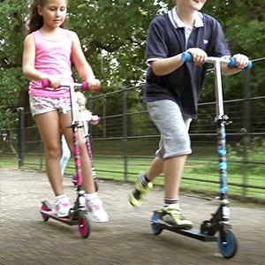 Bopster 2 Wheeled Folding Childrens Kick Scooter – Pink Camo