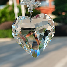 3D love design 40 facets perfect presentation of the crystal's refracted sunlight