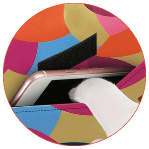 front pocket for phone and charge tableware