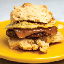 keto breakfast sandwich with cheese