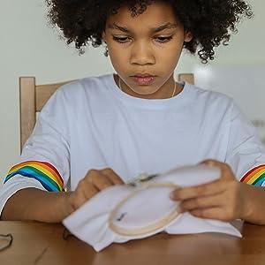 kids make hand craft