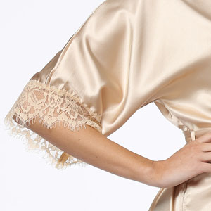 lace trim sleeve