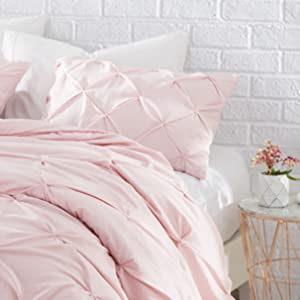 Amazon Com Byourbed Byb Rose Quartz Pin Tuck Queen Comforter Home Kitchen