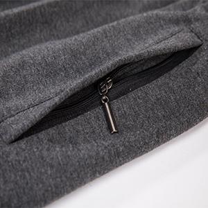 2 Front slash zip pockets