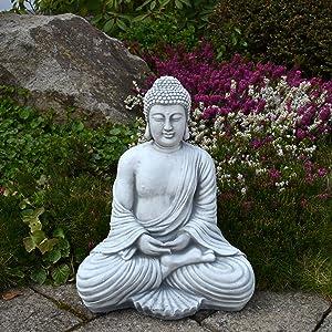 Buddha vor Bambus Rohren