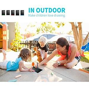 In Outdoor Make Children's Love Drawing