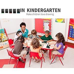 In Kindergarten Make Children's Love Drawing