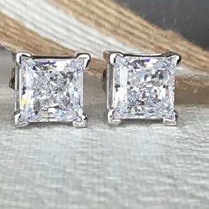 Why Choose Diamond Studs?