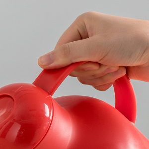 Grab-and-Go Design That's Easy to Pour