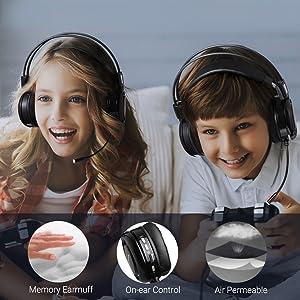 headphones wtih microphone