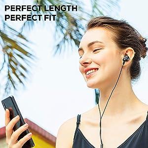 wire earphone, wired earphones, in-ear earphones