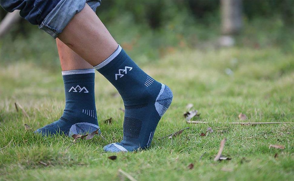 Men Crew Socks Warm Socks NEVSNEV 70/% Merino Wool Athletic Socks for Men Suitable for Hiking,Trekking,Camping