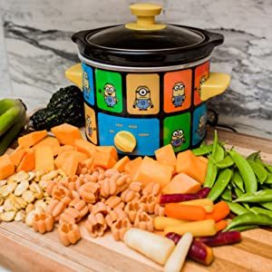 Uncanny Brands Minions 2 Quart Slow Cooker- Kitchen Appliance
