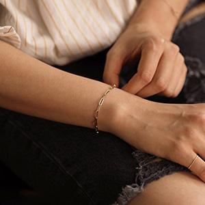 paperclip link chain bracelet